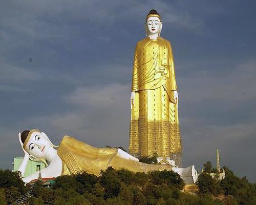 Laykyun Setkyar (лежащий Будда)