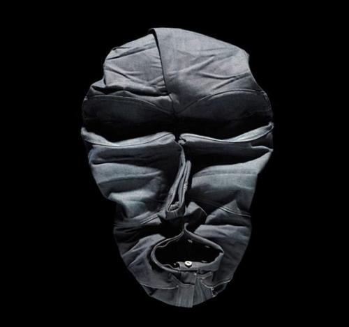 лицо из одежды