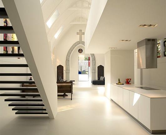 жилой дом--церковь