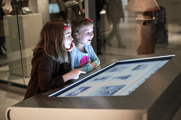 обучение детей на сенсорных столах