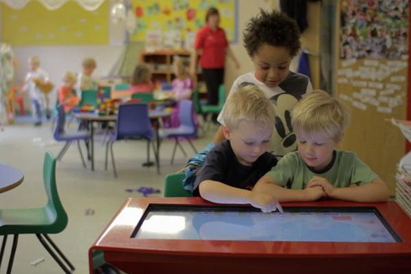 сенсорный стол для образования детей