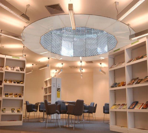 Coolest-Libraries-Biblioteca-Sandro-Penna-Inside