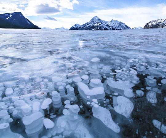 Замороженные воздух в озере Авраама
