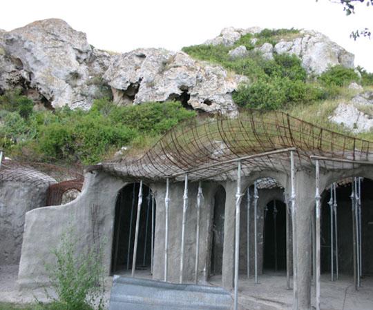 Дом землянка в Крыму