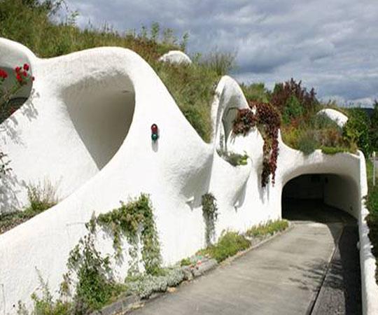 подземный гараж в доме землянке