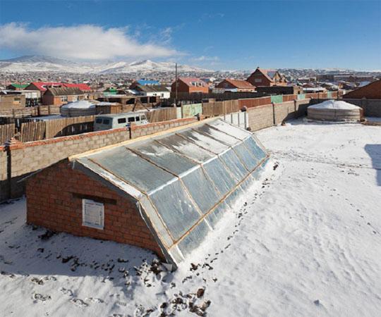 подземная теплица в зимних условиях. © inspirationgreencom