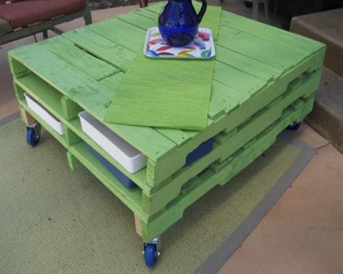 столик из деревянных поддонов 1