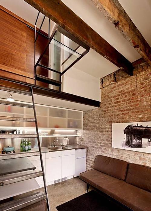 лестница на второй этаж гостевого дома © Azevedo Design