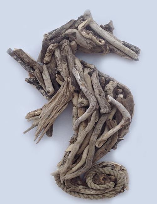 морской конек из деревянных коряг