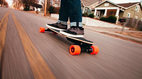 Езда на электрическом скейте