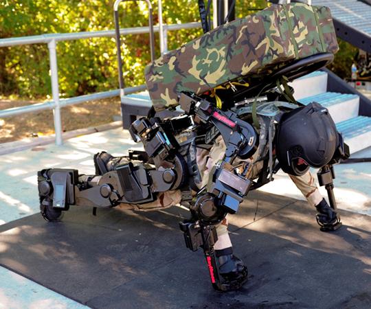 экзоскелет военный