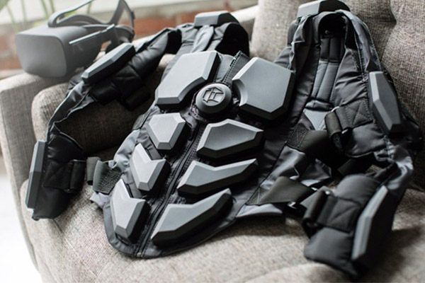 Тактильный костюм виртуальной реальности HardLight VR