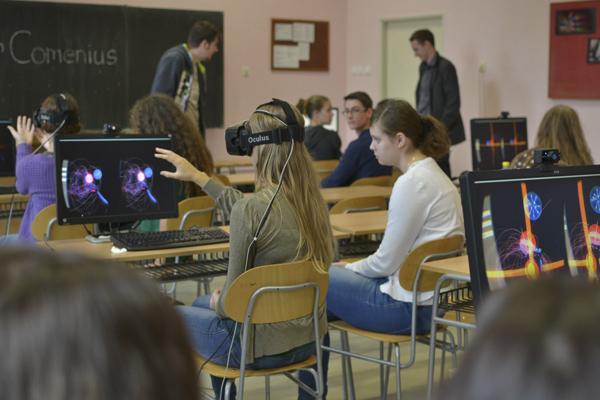 обучение в виртуальной реальности VR