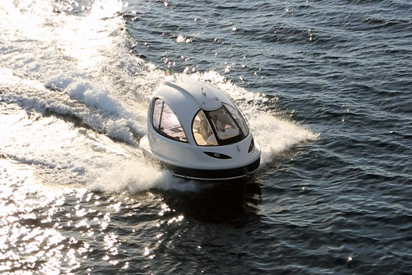 мини яхта Jet Capsule