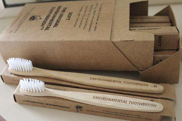 щетка для чистки зубов из бамбука