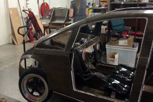 Первый биоразлагаемый автомобиль «Lina»