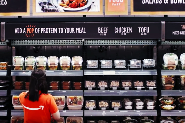 Полки с едой в Amazon Go