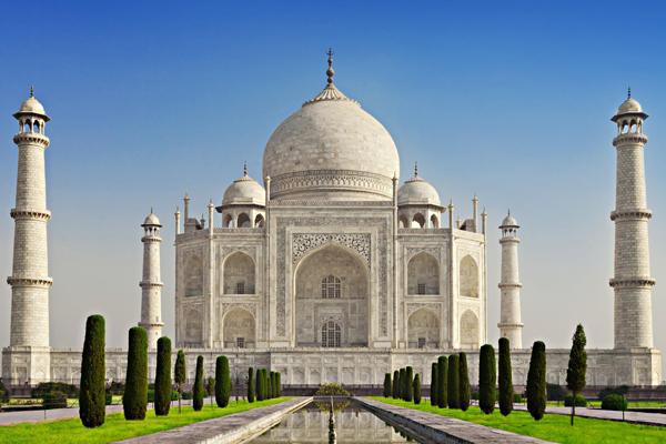 Тадж-Махал одно из самых красивых зданий мира