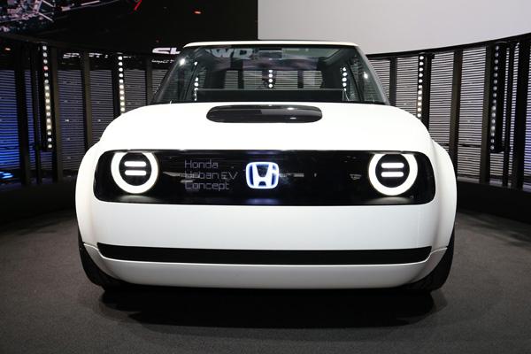 Электрический автомобиль Honda Urban EV
