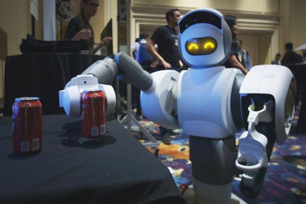 робот Aeolus который помогает в доме