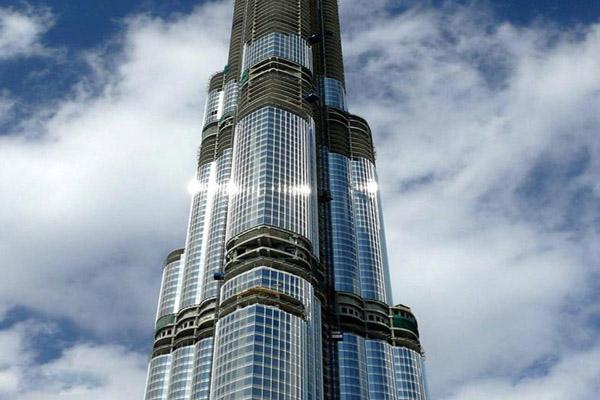Внешние панели в небоскребе Бурдж-Халифа