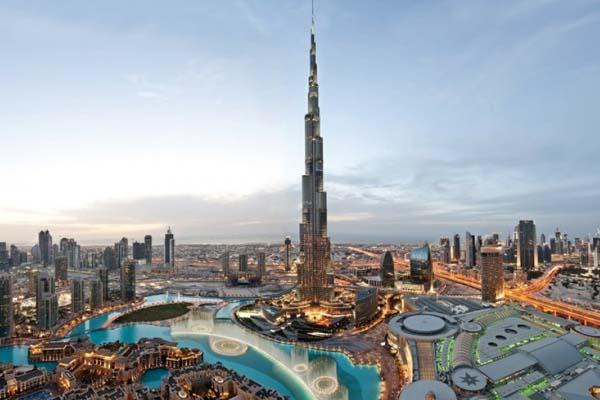 небоскреб Бурдж-Халифа в Дубаи