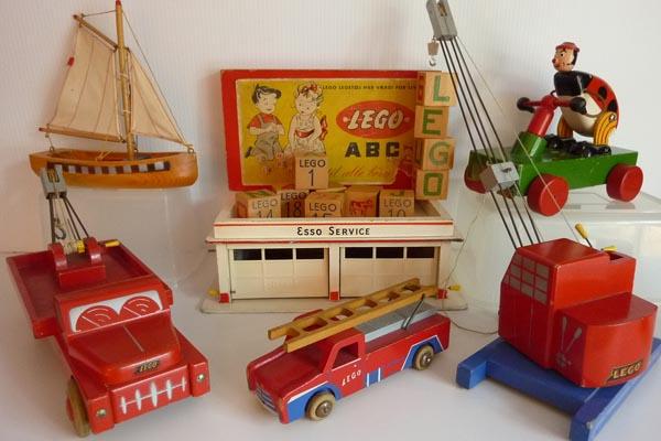 первые игрушки ЛЕГО