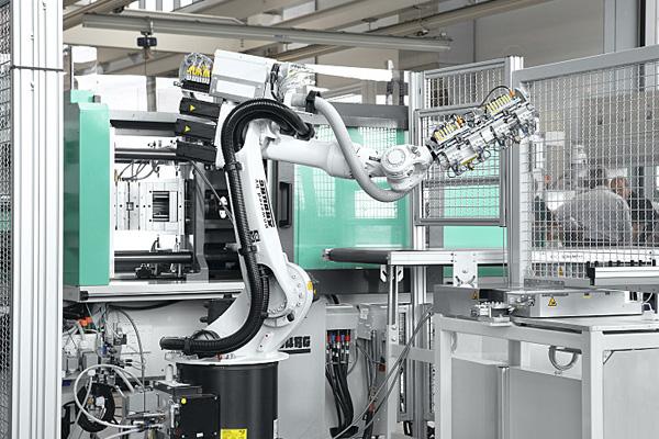 промышленный робот для термопластавтоматов Arburg