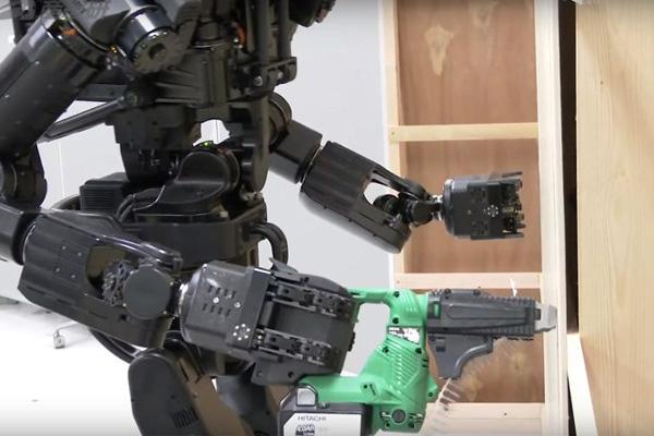 Японский робот-гуманоид HRP-5P