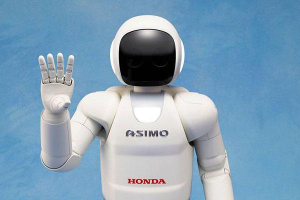 Робот Asimo в повседневной жизни человека