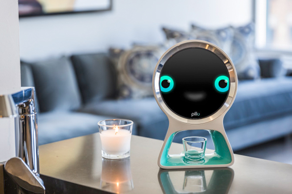 робот помощник Pilo