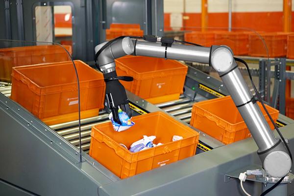 робот манипулятор Amazon Robotics