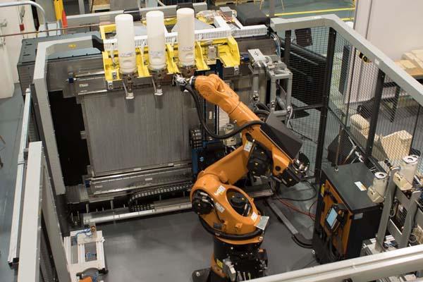 применение промышленного робота Stratasys-Infinite-Build-3D-Demonstrator