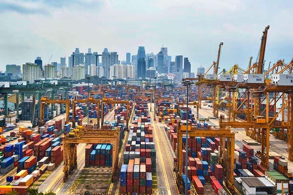 самый большой порт в мире - Сингапурский порт