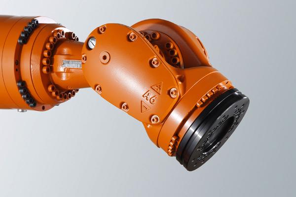 межпрессовые роботизированные системы Kuka