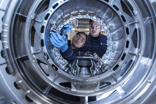 применение интернет вещей - двигатели Rolls-Royce
