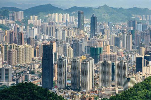 Гуйян, Китай - урбанизация крупных городов