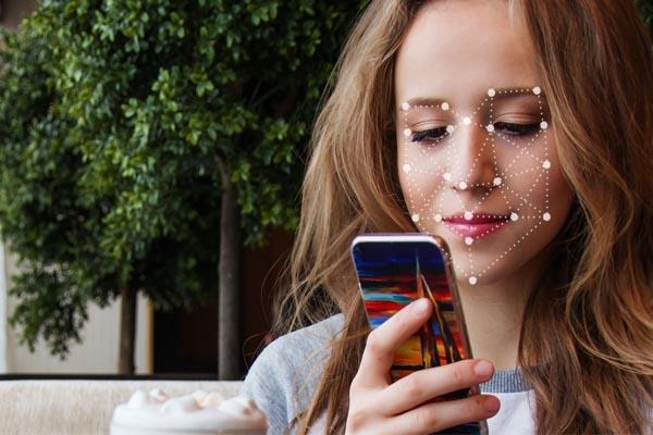 телефон с распознаванием лица