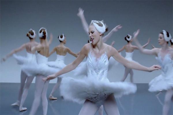 Клип с миллиардом просмотров - Taylor Swift Shake It Off