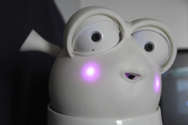 Reeti домашний робот питомец