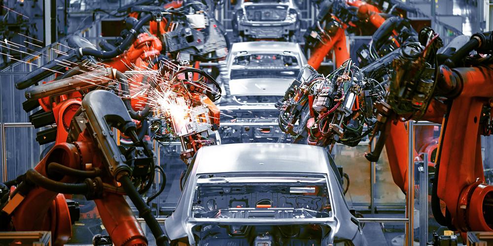 Автоматизация рабочих мест: как роботы заменяют людей