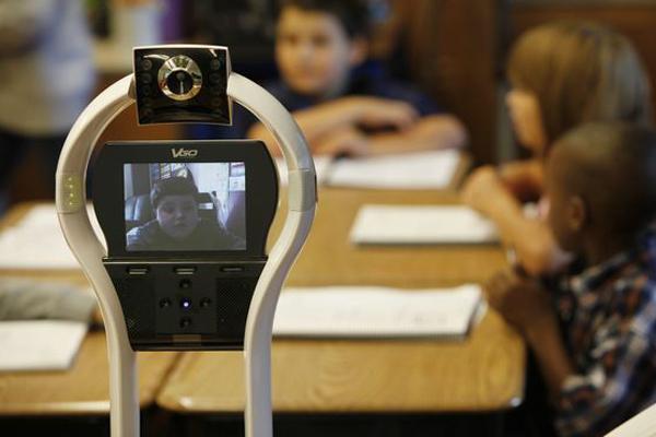 VGo Remote Students - робот для удаленной работы