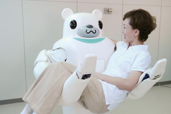 робо-медведь Robear для пожилых людей