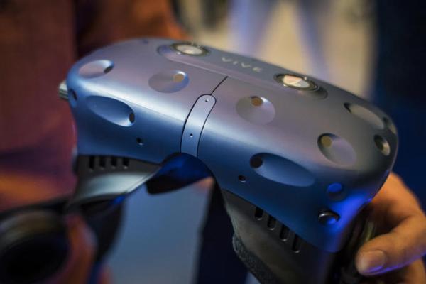очки VIVE Pro для виртуальной реальности